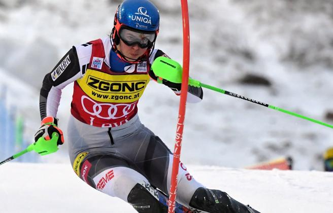 Sci, Petra Vlhova vince lo slalom di Levi sulla Shiffrin