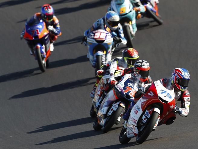 Moto3. A Portimao vince Raul Fernandez. Arenas campione!