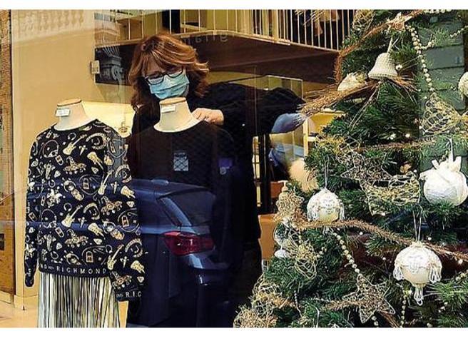 Dpcm di Natale, stop a spostamenti e scuole chiuse, coprifuoco alle 22