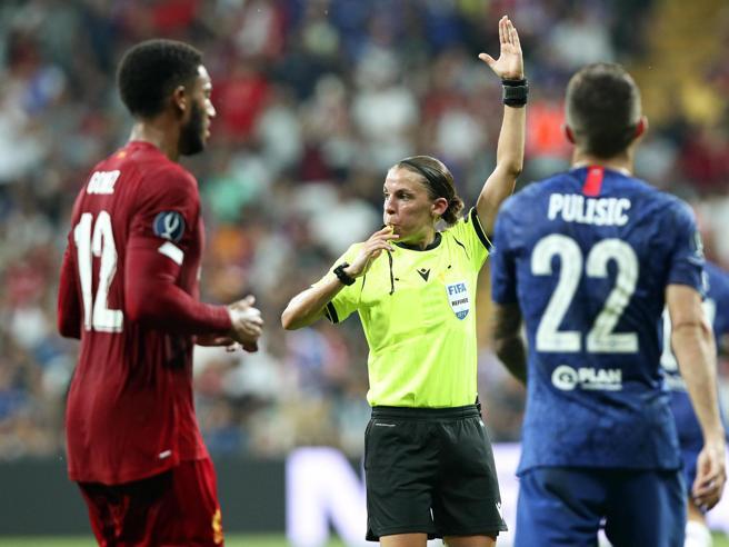 Juventus-Dinamo Kiev sarà diretta da un arbitro donna: Frappart esordisce in Champions