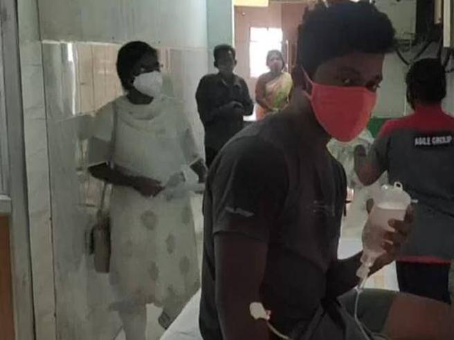 India, spunta una nuova malattia misteriosa. In centinaia finiscono all'ospedale
