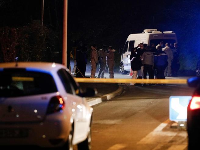 Francia centrale: tre gendarmi uccisi