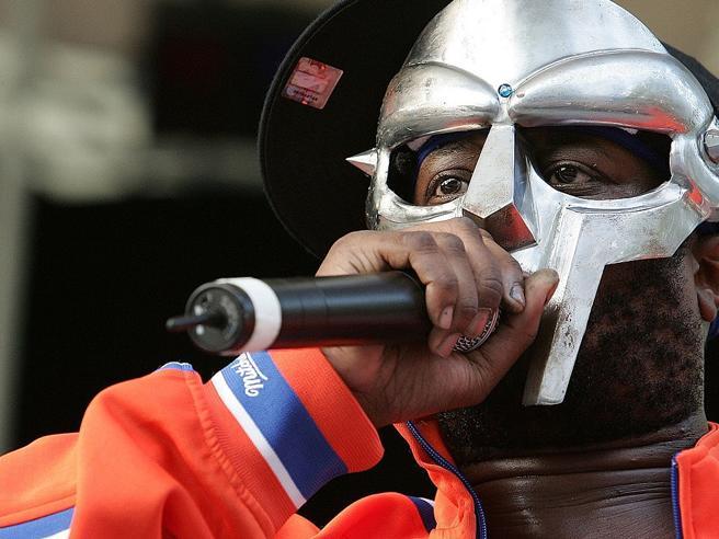 Morto il rapper MF Doom, la moglie lo annuncia... dopo due mesi