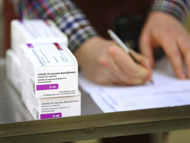 AstraZeneca, oggi è iniziata la vaccinazione nel Regno Unito