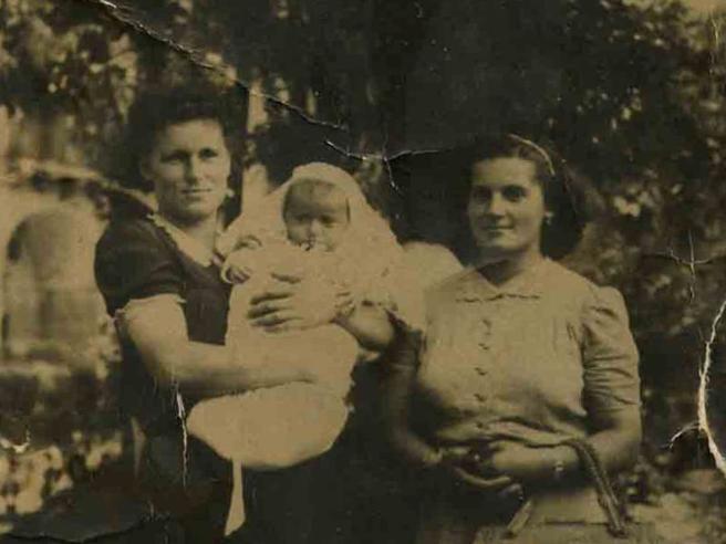Aurelia, nata ad Auschwitz:  «Mia madre sopravvisse, poi mi raccontò l'inferno»