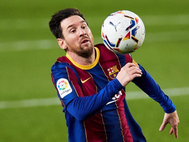 Barcellona in rosso, superato il miliardo di debiti: difficile così trattenere Messi
