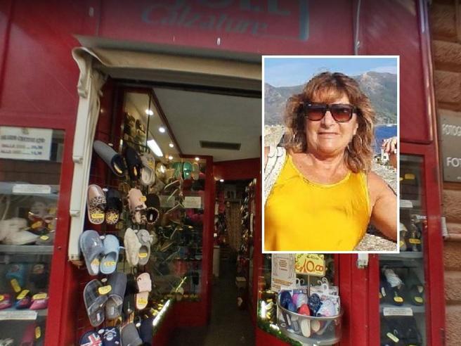 Genova, donna uccisa in centro: aggredita nel suo negozio di pantofole