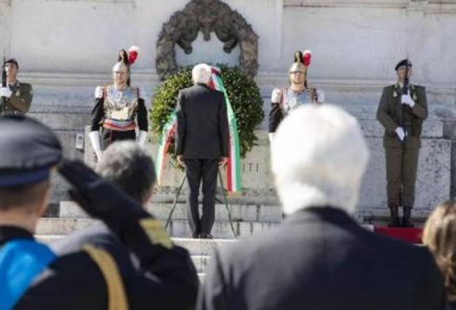 Festa della Repubblica Mattarella e Draghi celebrano il 2 giugno Si apre una stagione di rilancio e rinascita