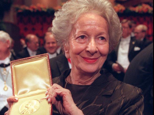 Wisława Szymborska Amore e dolore,la poesia filosofica del Premio NobelLeggi i versi