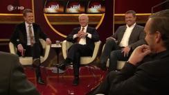 Chiarimento in diretta tv tra Giovanni Trapattoni e Thomas Strunz a 15 anni dalla mitica conferenza stampa in cui il Trap criticò il suo giocatore ai tempi in cui il tecnico italiano allenava il Bayern Monaco. La pace negli studi della tv Zdf. (RCD - Corriere Tv)