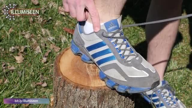 A che servono gli ultimi due fori nelle scarpe da tennis - Corriere TV fbdfff40e75