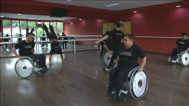 Sedie A Rotelle Torino : Brasile: ballerini in sedia a rotelle liniziativa di un