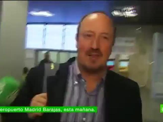 Madrid, Benitez rientra dalle vacanze e  viene  contestato in aeroporto:  «Vattene!»