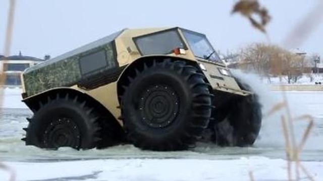 Il bestione «Sherp», l'anfibio russo che non conosce