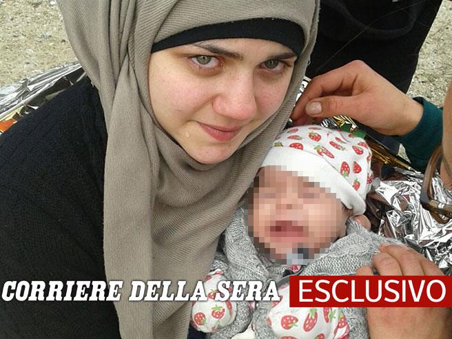 «Io, mia moglie e mia figlia in gommonenel mare dove muoiono i bambini» Video