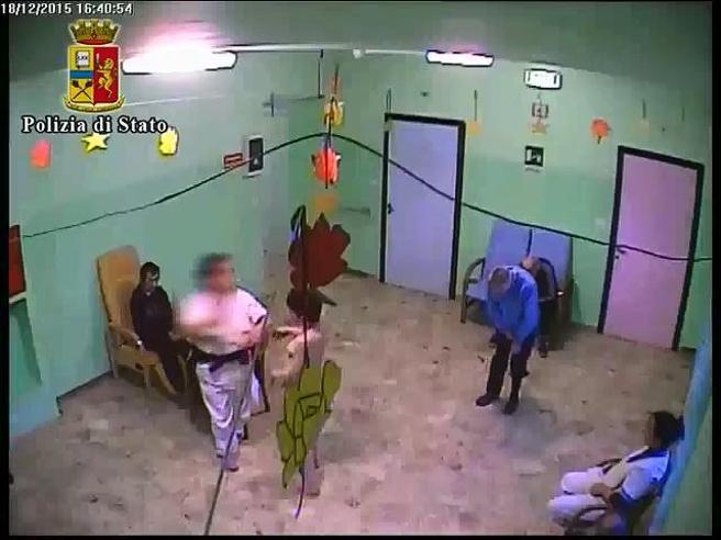 Botte e molestie ai disabili in una casa di cura: in manette 18 tra medici, infermieri e operatori sanitari