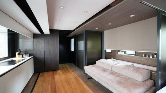 una casa da sogno in 28 metri quadri corriere tv. Black Bedroom Furniture Sets. Home Design Ideas