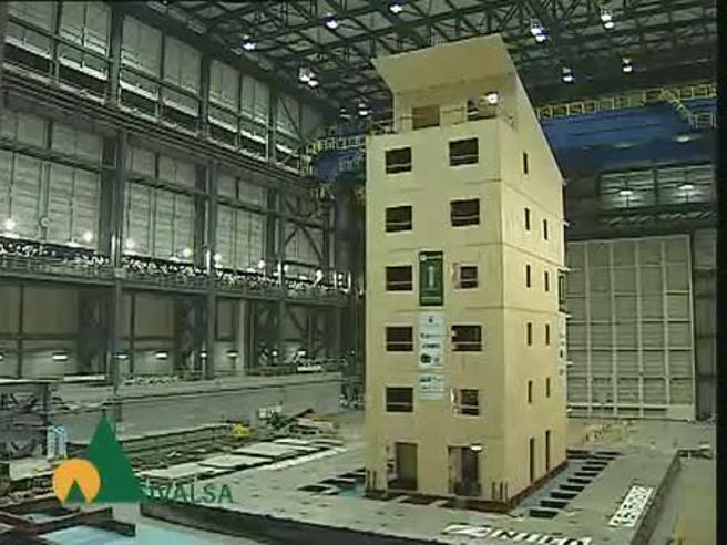Risultati immagini per Come resiste ad una scossa 7.2 una casa di legno di sette piani