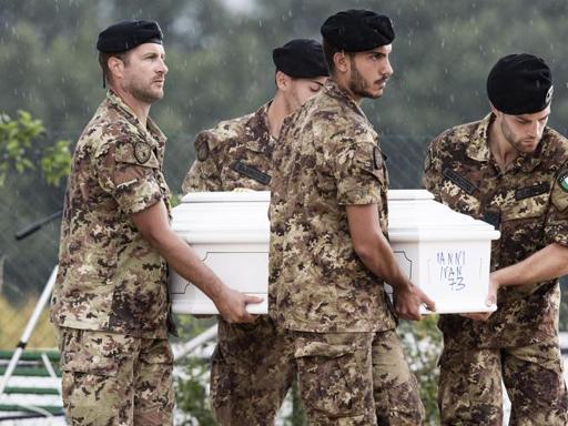 Amatrice, funerali solenni per le vittime del terremoto