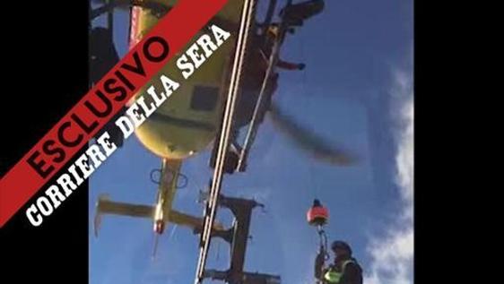 Elicottero Monte Bianco : Monte bianco ecco il salvataggio con l elicottero di