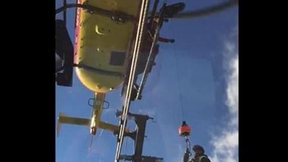Monte Bianco, ecco il salvataggio con l'elicottero di soccorso