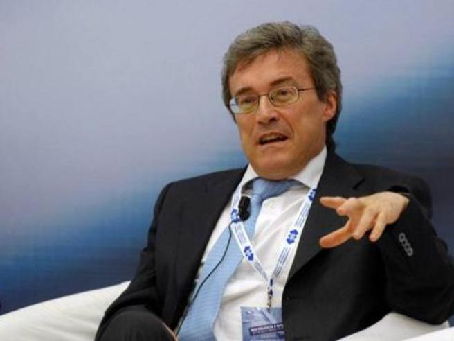 Roberto Perotti, l'ex consigliere economico di Renzi ospite di #Corrierelive