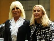 Fashion week al via, dalla Versace ad Armani il dietro le quinte dell'apertura. Battute e riflessioni: tutto quello che hanno detto i protagonisti della moda