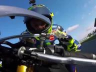 Ecco cosa si prova a essere Valentino Rossi (in moto)