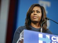 Michelle Obama contro Trump: «Intollerabile come tratta le donne»