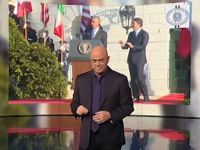 Crozza: «Sono una grande coppia Obama e Renzi, uno se ne va a novembre, l'altro a dicembre...»