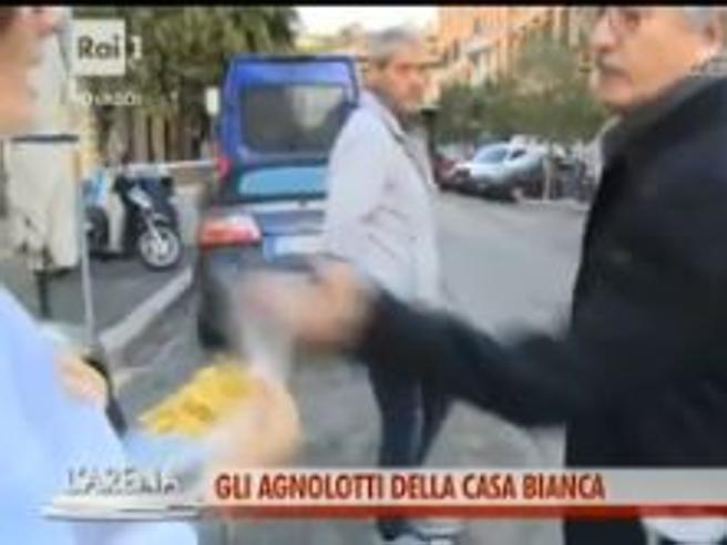 «L'Arena», D'Alema irritato dalle domande rovescia il piatto di agnolotti