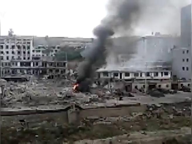 Mega esplosione in Cina distrugge   palazzo: 7 morti e 94 feriti Video