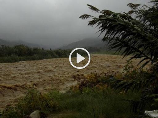 Maltempo in Liguria, allerta rossa: il fiume Centa fa paura