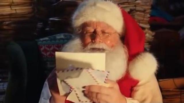 Esselunga Regali Di Natale.Babbo Natale Il Protagonista Del Nuovo Spot Dell Esselunga Corriere Tv