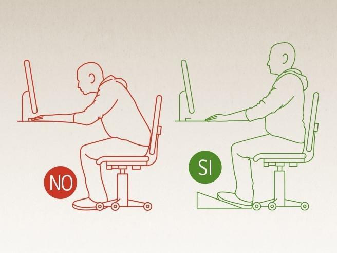 Come muoversi e sedersi correttamente per evitare il mal di schiena Video