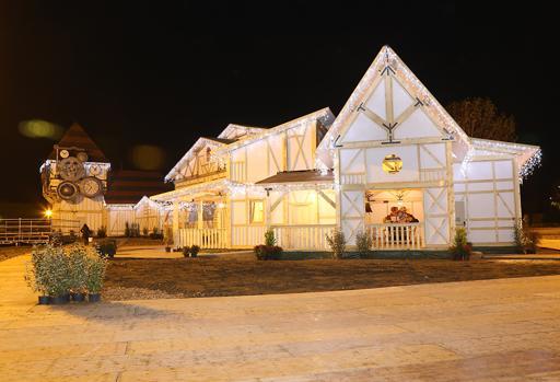 Dettaglio del villaggio natalizio ideato a Torino da Carmello Giammello, aperto fino all'8 gennaio
