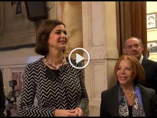 Colori 1 minuto volto di donna alla camera dei deputati for Camera dei deputati diretta tv