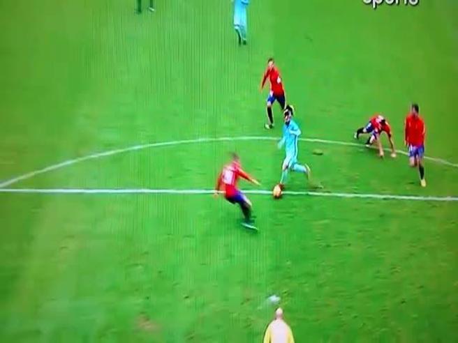 Messi «gioca alla PlayStation» con l'Osasuna: golazo in dribbling Video