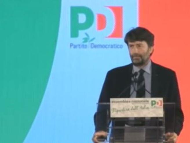 Assemblea nazionale del Pd, dopo il segretario Renzi parla Cuperlo La Diretta