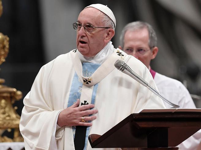 Papa Francesco celebra la prima messa del 2017 nella giornata della pace La diretta