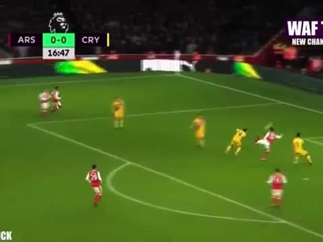 Lo scorpione capolavoro di Giroud, gol dell'anno