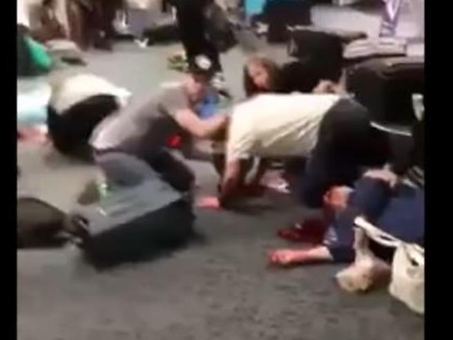 Florida: dentro all'aeroporto subito dopo la sparatoria al Terminal 2