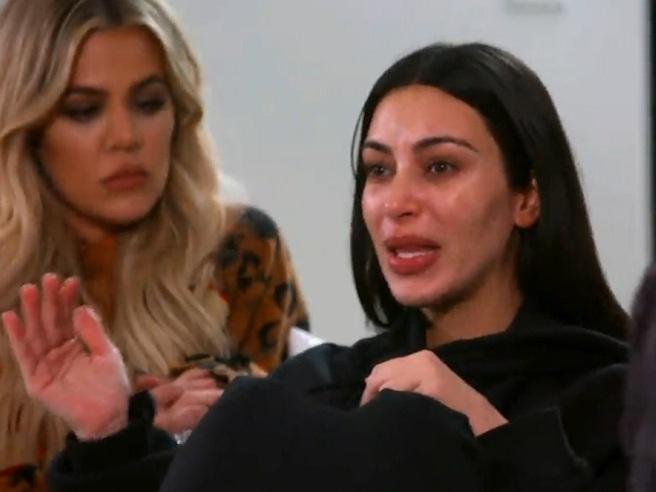 Le lacrime di Kim Kardashian: «Volevano spararmi alla schiena»