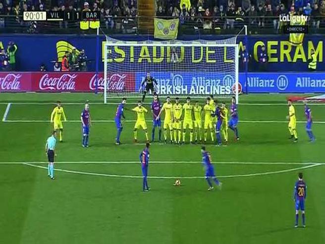 La punizione perfetta: Messi centra il sette con un tiro prodigioso