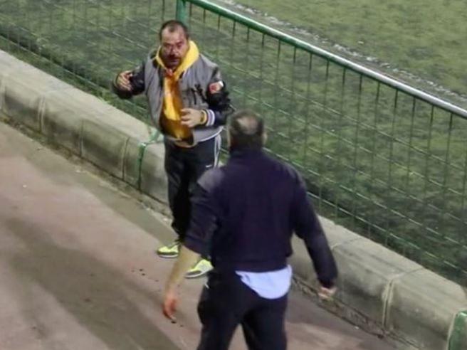 Spagna: rissa durante partita delle giovanili, due papà si prendono a pugni