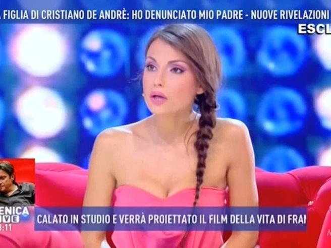 Francesca De André accusa il padre: