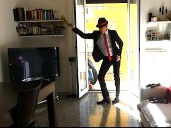 Giovanni Vernia come il ballerino dello spot, poi lo impallina