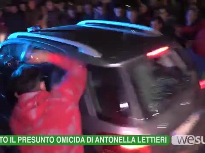 Cirò Marina, la folla inferocita cerca di linciare assassino di Antonella Il video