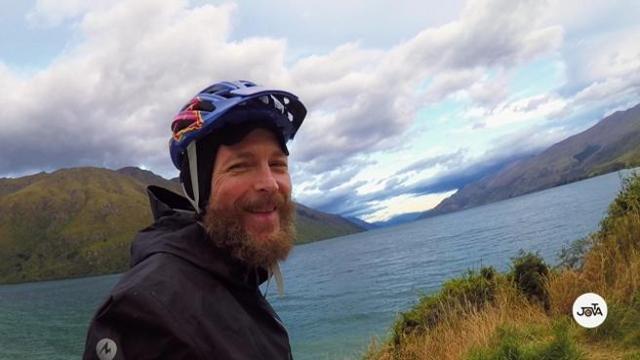 Jovanotti Il Giro In Bici In Nuova Zelanda Diventa Un Film