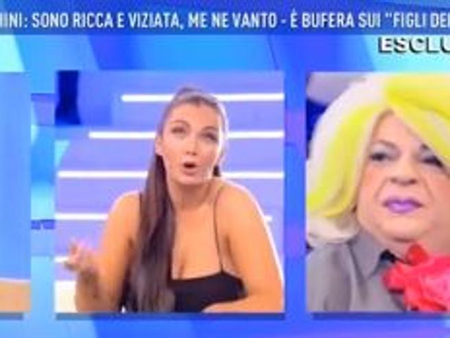 Platinette contro la ricca Elettra Lamborghini: «Sei ignorante come una capra»